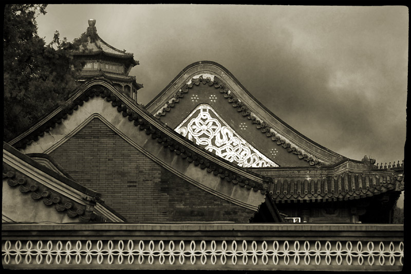 © Stanislav Krzhezevich - China. Roofs. Крыши.