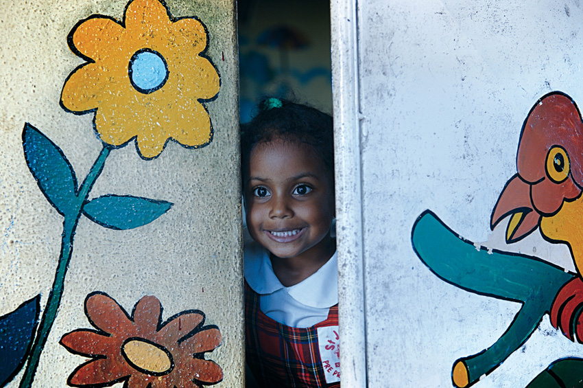 © Fabrice Boutin - Blue Africa - Little girl at school in Mauritius island