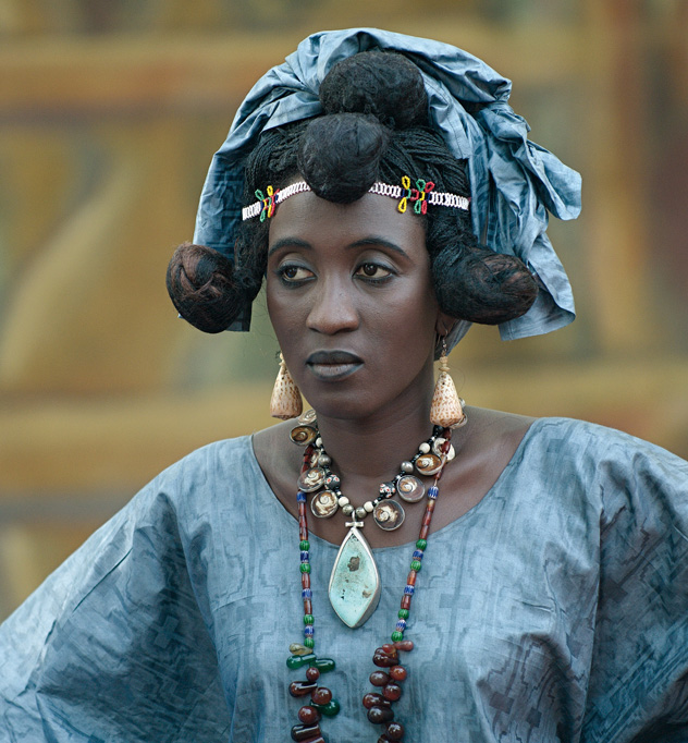 © Fabrice Boutin - Blue Africa- dress up girl for wedding – Mali