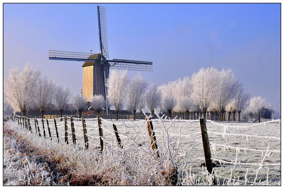 © johny hemelsoen - Winter in Belgium.